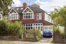 3 bed semi detached property in Kings Avenue, SW12