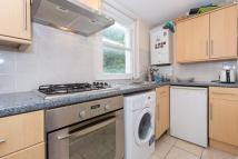 2 bedroom Flat in Sandmere Road, SW4