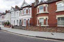 Flat to rent in Englewood Road, Clapham...