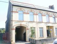 4 bedroom Terraced home in Station Road, Par
