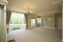 2 bed Apartment in Breakspear Road North...