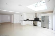 4 bedroom semi detached house to rent in Lower Road, Cookham...