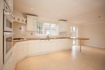 4 bed Detached house to rent in Lock Road, Marlow...