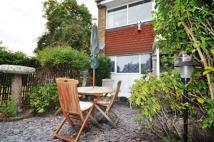 1 bedroom Apartment in Cadwell Lane, Hitchin...
