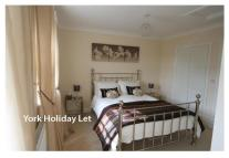 3 bedroom Town House to rent in Bishopfields Drive, York...