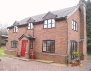5 bedroom Detached property in Three Ashes Lane Newent