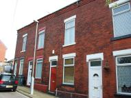 2 bedroom house in Pekin Street...