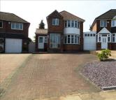 3 bed Detached property in Manor House Lane...