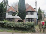 6 bedroom Detached house in New Bedford Road, Luton...