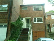 4 bed Terraced house to rent in CRESCENT RISE, Luton, LU2