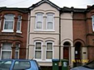 4 bed Terraced house to rent in Livingstone Road...