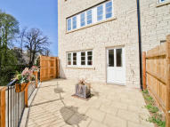 4 bed new development for sale in Kingston Road...