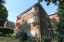 3 bedroom Flat in Branksome Wood Road...