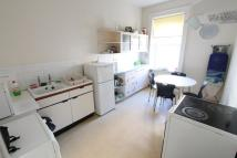2 bedroom Flat in Lansdowne Road...