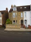 6 bed semi detached house in Spenser Road, Bedford...