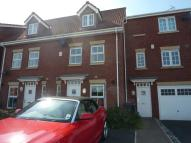 Town House to rent in The Haven, Selby