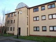 Flat to rent in Fiddoch Court, Newmains...