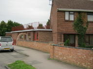 1 bedroom Ground Flat in Longcroft Road, Thatcham...