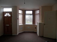 Flat to rent in Westcroft Road...