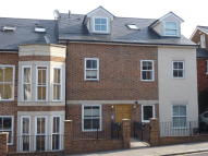 1 bed Flat to rent in Lesbourne Road, Reigate...