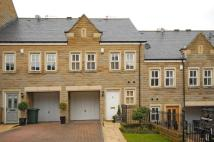 Town House in COLLEGE DRIVE, ILKLEY...