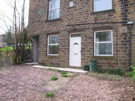 Apartment to rent in Moor End Road, Lockwood...