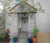 semi detached house in Burleigh Cottage...
