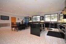 5 bedroom Terraced home in Forest Drive West, London