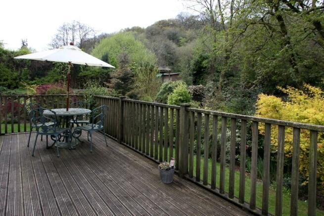 20' raised terrace
