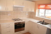 1 bed Flat to rent in Shrubland Road...