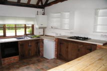 Barn Conversion to rent in Horley, RH6