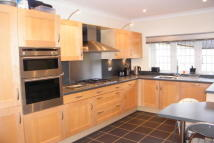 Apartment in Hook Heath