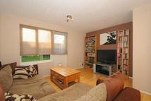 2 bed house in Quintrell Close, Woking...