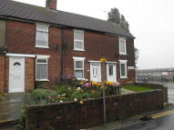 Terraced home in 4 Eastern Way, Lowestoft...