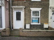 Flat to rent in Tonning Street, Lowestoft