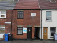 2 bed Terraced property to rent in Roman, Road