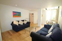 Flat to rent in Bartholomew Close...