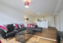 Apartment to rent in Frobisher Crescent...