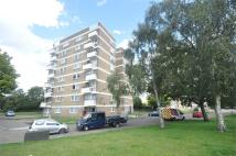 2 bedroom Flat in Lynde House...