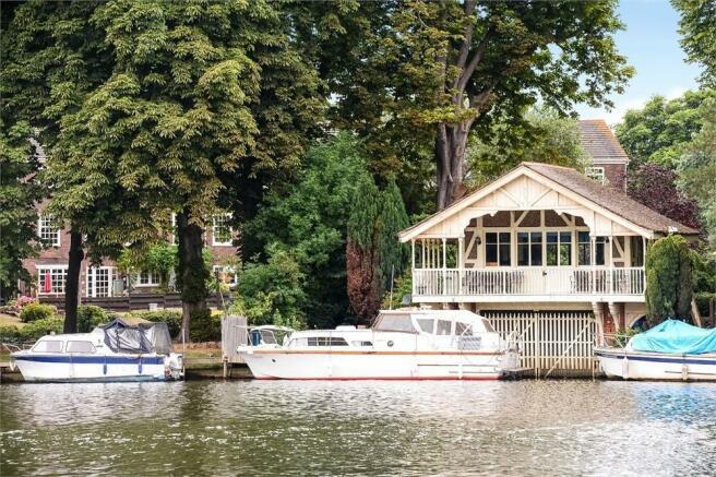 1 Bedroom House Boat For Sale In Broom Park TEDDINGTON Greater
