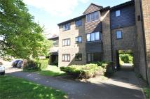 Flat to rent in Collingwood Place...