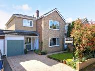 4 bedroom Detached house in Field Close, MOLESEY...