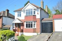 3 bedroom semi detached house in Mead Way, Coulsdon