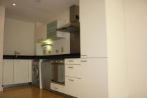 1 bed property in Canary South...