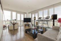 Flat for sale in Eaton House...