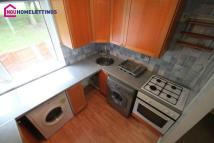 2 bed Flat to rent in Membury Close, Moorside...