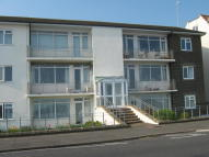 2 bedroom Ground Flat to rent in West Parade...
