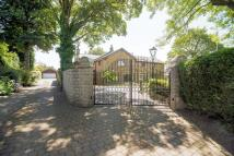 Detached house in Arthur Lane, Ainsworth,