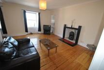 Flat to rent in North High Street...
