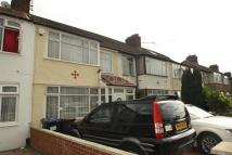 3 bedroom Detached house in Brent Park Road, London...